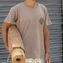 cork-yoga-mat-underarm
